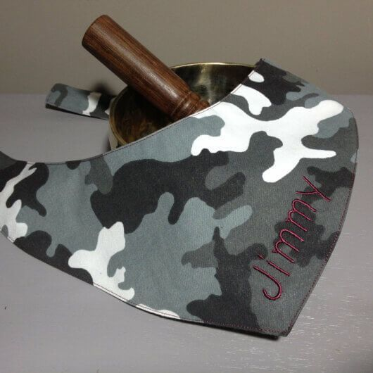 camouflage tarnfarben grau schwarz weiss hundehalstuch zum binden 606a4938