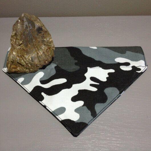 camouflage tarnfarben hundehalstuch mit tunnel 606a4955