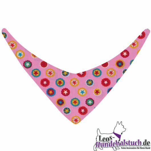 candy colors fuer verspielte hundemaedchen bunte sterne auf rosa hundehalstuch zum binden 606a4985