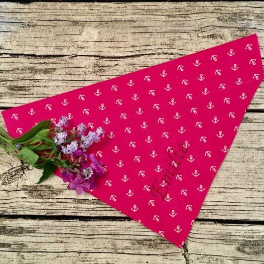 froehliches pink fuer hundemaedchen nur noch eins pink mit anker tuch mit tunnel 606a4ee8 scaled